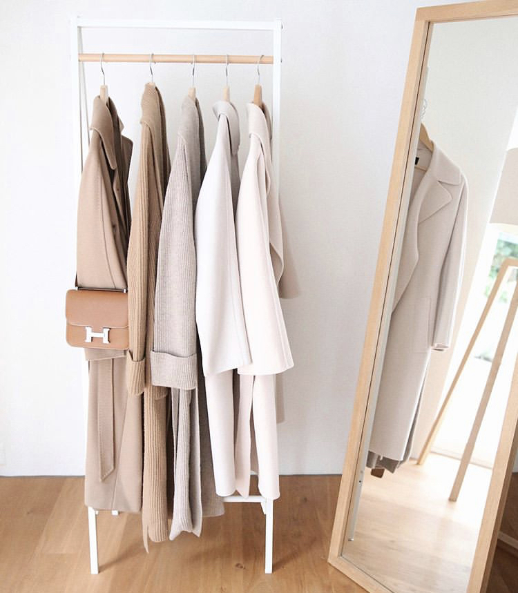 How to curate neutral outfits